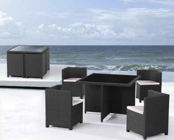 Arredamento esterno divani in rattan set tavolo sedie for Arredamento esterno bar