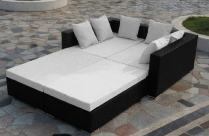 Arredamento esterno divani in rattan set divano salotto for Divani x esterno