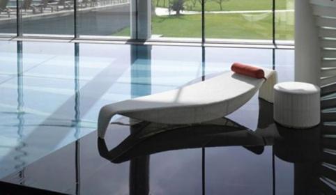 Arredamento esterno divani in rattan set sdraio in for Divani x esterno